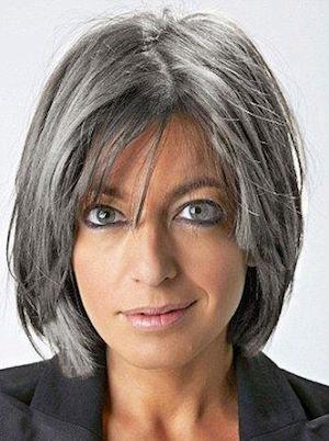 Coupe carre degrade cheveux gris