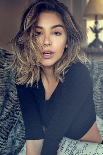 how to style medium length thick hair les cheveux boucl 233 s la tendance coiffure 2017 peyrouse 3453