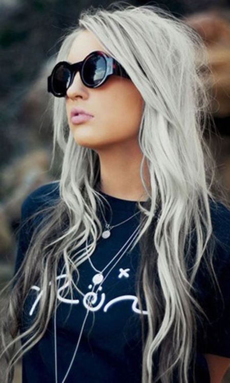 cheveux long blanc gris