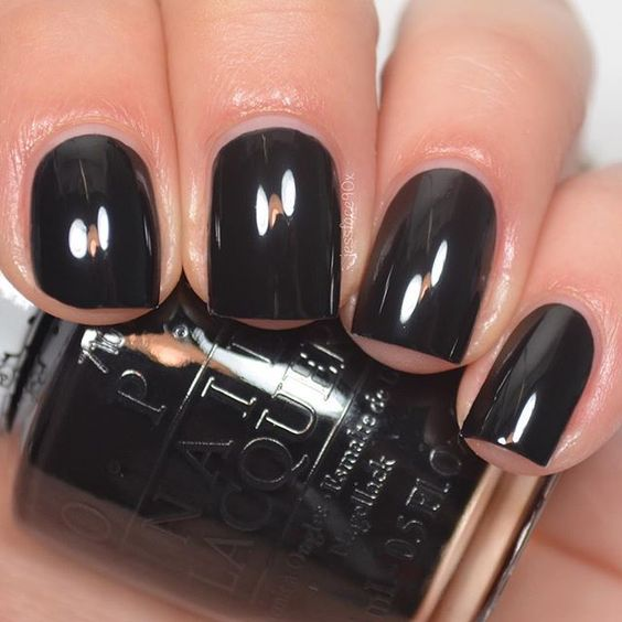 vernis noir Hello Kitty